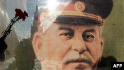 Есть и еще одна причина для симпатий к товарищу Сталину: в Южной Осетии практически никто не подвергает сомнению осетинское происхождение великого уроженца Гори