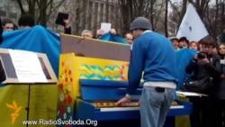 Недільне віче євромайданівців у Дніпропетровську зібрало тисячі людей