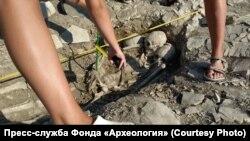 Раскопки на некрополе Кыз-Аул, июль 2021 года