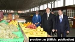 Prezident İ.Əliyev Gəncədə «Grand Qafqaz» ticarət kompleksinin açılışında
