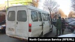 В баталиях чиновников и перевозчиков страдают пассажиры
