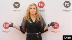 ABŞ-ly estrada ýyldyzy Madonna. 6-njy awgust, 2012 ý.