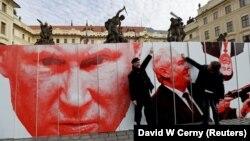Инсталляция у Пражского Града: Владимир Путин и Милош Земан.