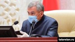 Рустам Минниханов занимает пост президента Татарстана уже 2 срока, но снова баллотируется на предстоящих 11-13 сентября выборах