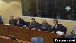 Generali Nebojša Pavković, Dragoljub Ojdanić, Sreten Lukić, Nikola Šainović u sudnici, foto iz arhive