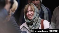 Сьвятлана Алексіевіч у Менску пасьля абвяшчэньня яе нобэлеўскай ляўрэаткай 8 кастрычніка 2015 году