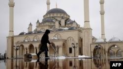Мечеть в Грозном, март 2011