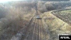 Мостове родовище танталових руд розташоване просто під полем у Маловисківському та Новомиргородському районах