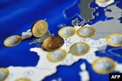 Muajt e ardhshëm do të tregojnë nëse tensionet do të rriten për shkak të rrugës së re të Eurozonës drejt bashkimit fiskal...