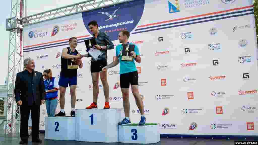 Лучшие результаты в забеге показали участники из Севастополя, Саратова и Санкт-Петербурга