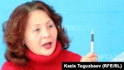 «Желтоқсан - 86» қоғамдық ұйымының жетекшісі Гүлбаһрам Жүніс. Алматы, 4 қараша 2010 жыл.
