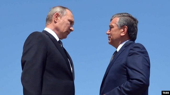 Өзбекстан премьер-министрі Шавкат Мирзияев (оң жақта) пен Ресей президенті Владимир Путин. Самарқан, 6 қыркүйек 2016 жыл.