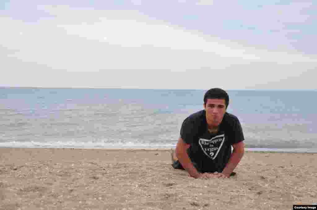 После шести вечера спортсменов больше, чем купальщиков. Этим пляж Махачкалы – уникален