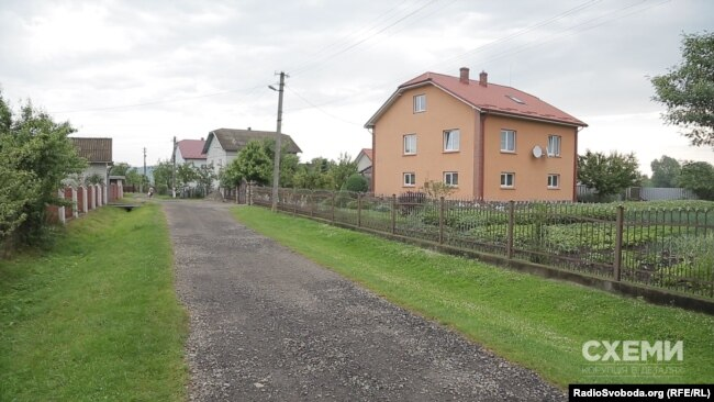 Будинок під Львовом, у якому зареєстрована сестра Степана Грещука Галина Яремчук