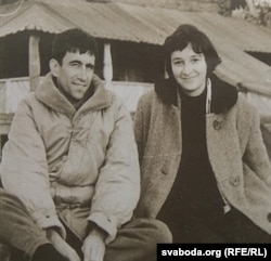 Разам зь першым мужам Гары Якубені. 1961 г.