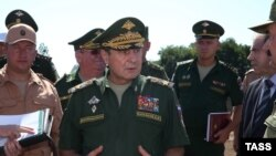 Dmitri Bulqakov (ortada)