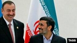 Ильхам Алиев (слева) и Махмуд Ахмадинежад, Баку, 18 ноября 2010