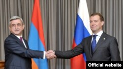 Russia -- President Dmitry Medvedev meets with his Armenian counterpart Serzh Sarkisian in Rostov-on-Don, 1June 2010.
