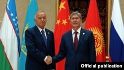 Алмазбек Атамбаев жана Ислам Каримов