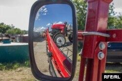 Чтобы быть конкурентоспособными, аграрии решили приобрести современную технику
