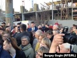 """Часть протестующих против строительства """"Пионер-парка"""""""