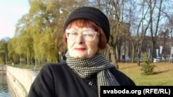 Мая Яніцкая, мастацтвазнаўца