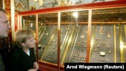 """Канцлер Германии Ангела Меркель в музее """"Зеленый свод"""""""