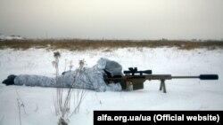 Ілюстраційне фото. Боєць Центру спеціальних операцій «А» Служби безпеки України в зоні бойових дій на Донбасі (архівне фото)