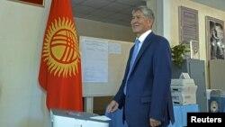 Президент Алмазбек Атамбаев.