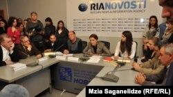 Инициативная группа стала инициатором публичного обсуждения ситуации с экспертами