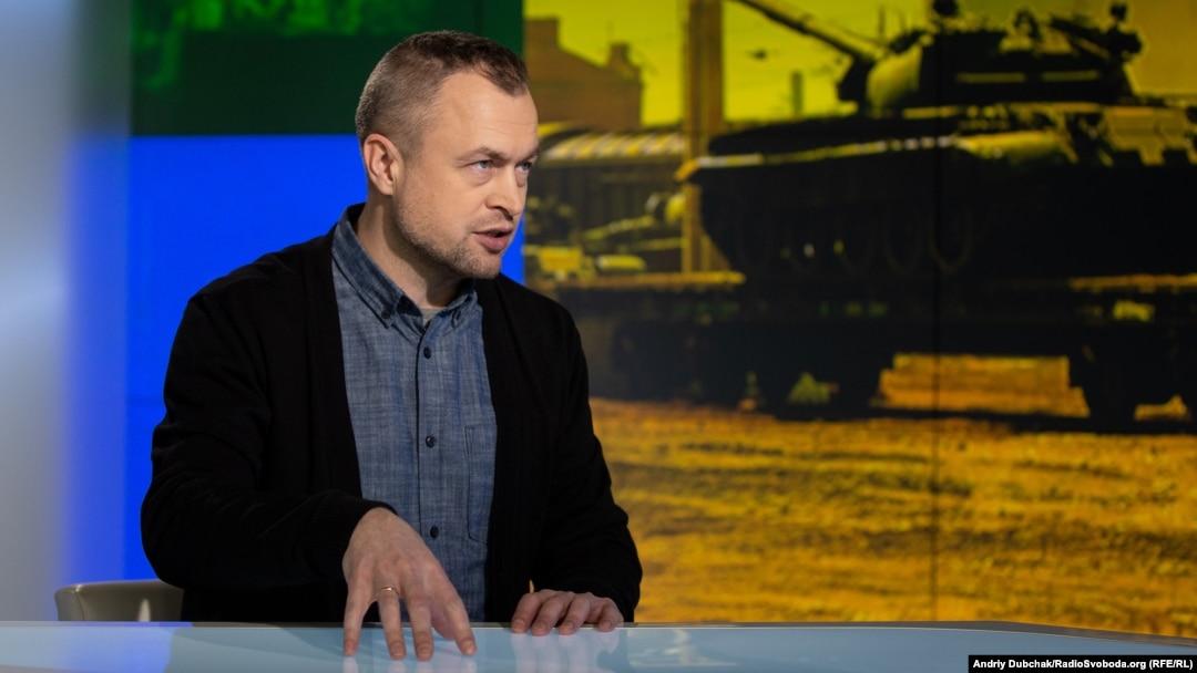 Михайло Самусь, заступник директора «Центру дослідження армії, конверсії і роззброєння»
