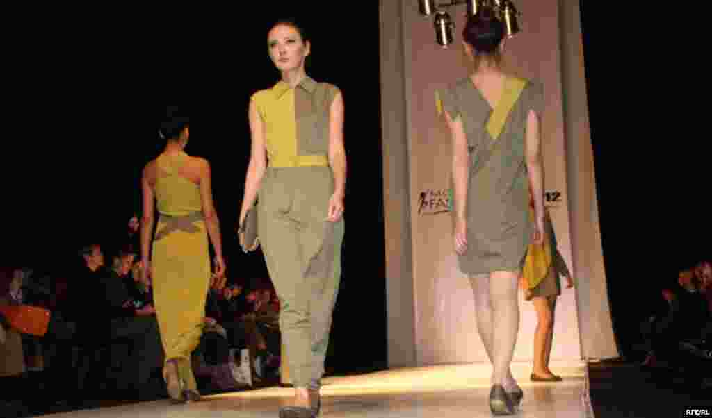Осенняя Неделя моды-2012 #11