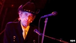 Bob Dylan has been criticized by Human Rights Watch