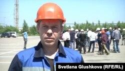 Работник четвертого цеха компании «Локомотив курастыру зауыты» Станислав Никулин. Астана, 29 июня 2015 года.