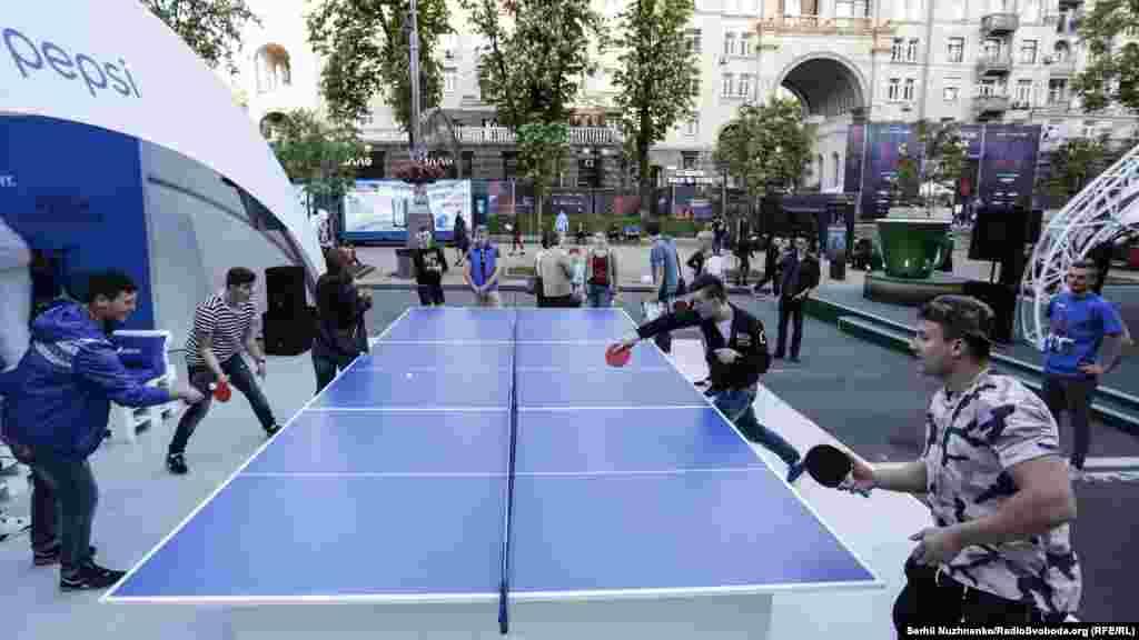 Спортивные развлечения в городе Eurovision Village