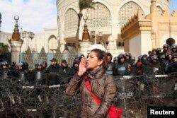 Перед президентським палацом у Каїрі, 1 лютого 2013 року