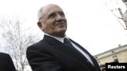 Թուրքիայի պաշտպանության նախարար Վեջդի Գյոնյուլ, արխիվ