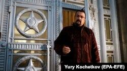 Сігал отримав російське громадянство у 2016 році