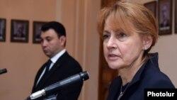 Armenia - Edelgard Bulmahn (R), a deputy speaker of the German parliament, speaks at a joint news conference with her Armenian counterpart Eduard Sharmazanov in Yerevan, 24May2016.