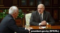 Анатоль Сівак і Аляксандар Лукашэнка, архіўнае фота