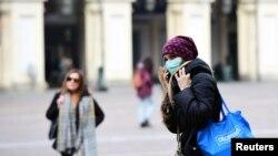 Защитните маски и облекло са дефицитни в целия ЕС