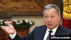 Президент Курманбек Бакиев Би-Би-Сиге берген интервьюсунда оппозиция менен жолугушууга даярдыгын билдирди.