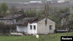 Լեռնային Ղարաբաղ - Հրետակոծության հետևանքով վնասված տուն Մարտակերտում, 3-ը ապրիլի, 2016թ․