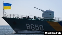 Во время генеральной репетиции военно-морского парада ко Дню Независимости Украины. Одесса, 21 августа 2014 года