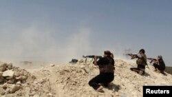 شبهنظامیان قبایل سنی عراق در منطقه حدیثه در حال درگیری با نیروهای حکومت خودخوانده اسلامی