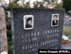 Natalie Jahudkova sírköve a zbraslavi temetőben. Az továbbra is rejtély, hogy az orosz emigráns miért vitte magával a sírba Gertrud Kauders gyűjteményének titkát
