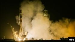 """Ресейлік """"Союз ТМА-13М"""" ғарыш кемесінің ұшырылған сәті. Байқоңыр, мамыр, 2014 жыл. (Көрнекі сурет)"""