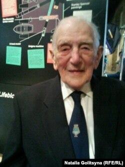 Джон Харрисон сегодня, в возрасте 101 года