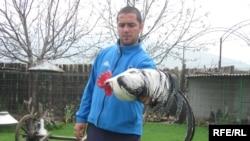 Прилепчанецот Мицески одгледувач на декоративни птици