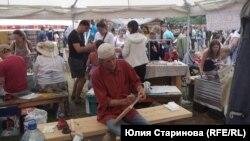 """Торговые ряды и мастер-классы на ярмарке в """"Городе мастеров"""""""